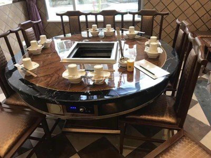 无烟火锅桌的原材料是实木的原因